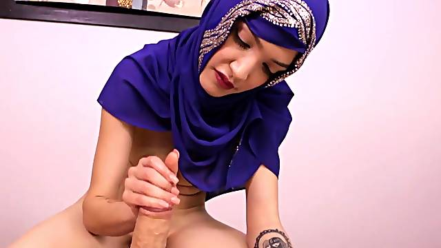 Arab beauty learns how to give the best handjob