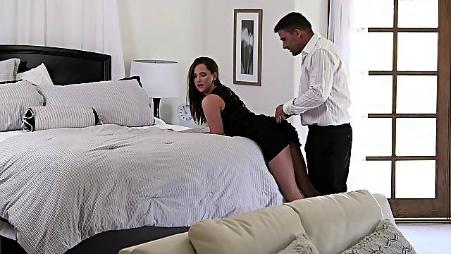 Double dose of anal sex for a wife with intriguing curves