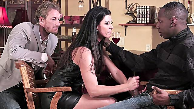 Serious black inches for the thin wife in a perfect cuckold