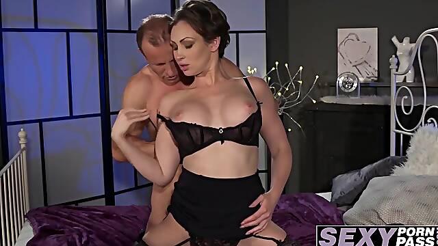 Hot short hair babe Yasmin Scott getting licked and fucked