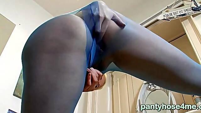 Housewife horny pantyhose