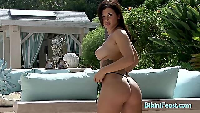 Hot Ass Brunette Bikini Model