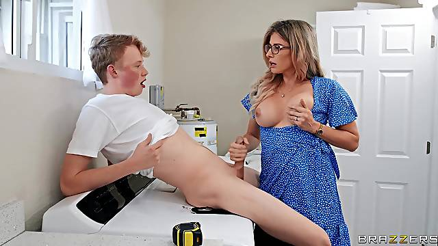 Mommy tries facial after having sex with the stepson