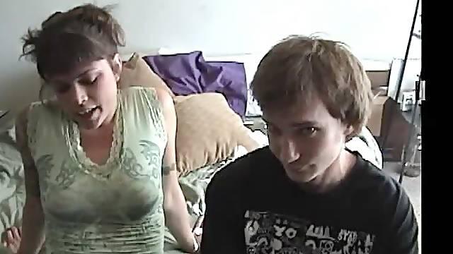 Amateur Couple Fucking Hard in Homemade Vid