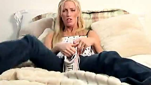 Crazy about shoes fetish video of a blonde girl sexing with her shoes