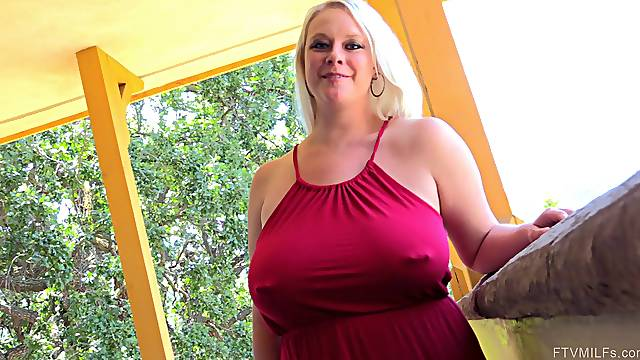 Irreplaceable solo model chubby with big natural tits showing off her pierced pussy