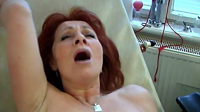 Horny matured dame reaching orgasm after throbbed hardcore