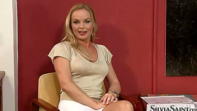 Horny blonde girl undresses and poses for camera at the casting