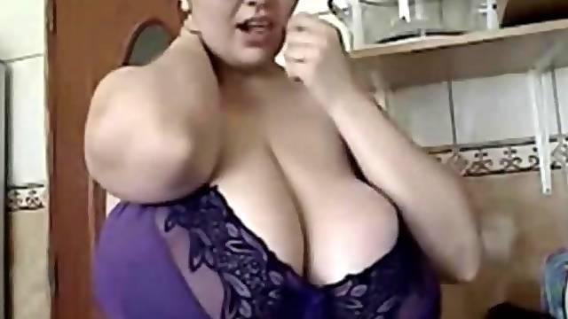 The Romanian BBW-Goddess - Alicia in Kitchen