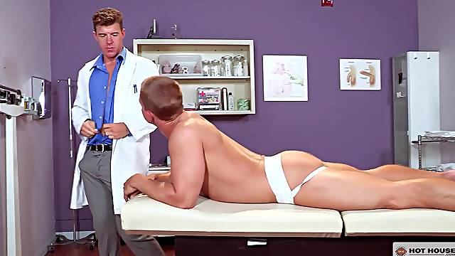 Wwll hung gay doctor seduces his patient into sucking his dick