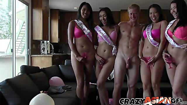 Beauty contest winers Cadence Lux and London Keys wait for a cum shot