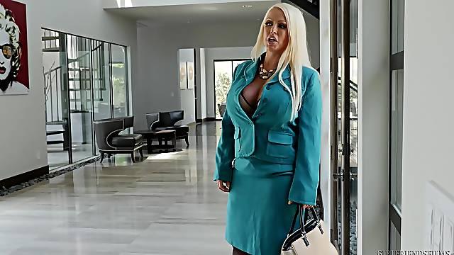 Busty blonde MILF lesbian Alura Jenson licks the pussy of Gia Derza