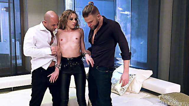Hardcore double penetration for slutty Angel Emily after dinner