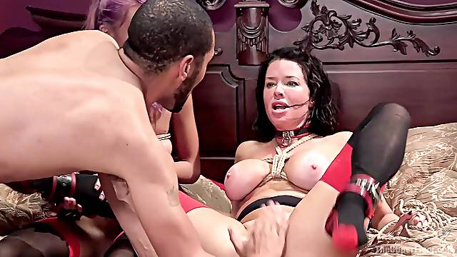 Torture and bondage in a threesome is secret fantasy of Veronica Avluv