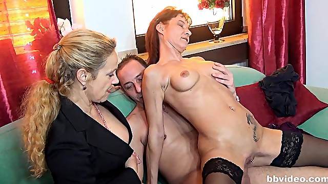 Mature ladies definitely know how to please their sexual needs