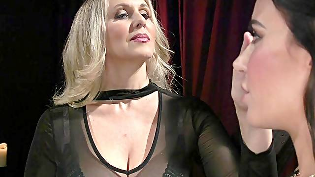 Lesbian torture and bdsm is memorable experience for Gia Dimarco