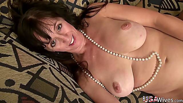 Check out great compilation of hot ladies from USA nothing more and nothing less