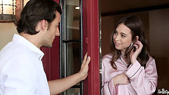 Horny amateur babe Riley Reid gets fucked by her hot neighbor