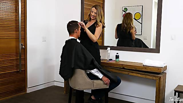 Horny hairdresser Shauna Skye drops on her knees to suck client's dick