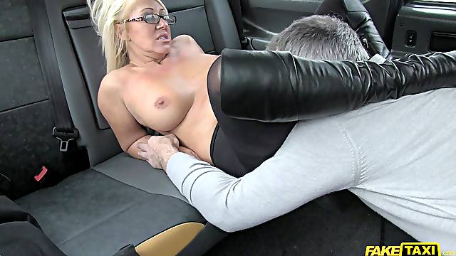 Horny taxi driver gives the blonde slut an offer she can't refuse