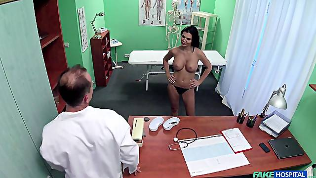 Busty patient Jasmine Jae teases with her boobs and gets fucked
