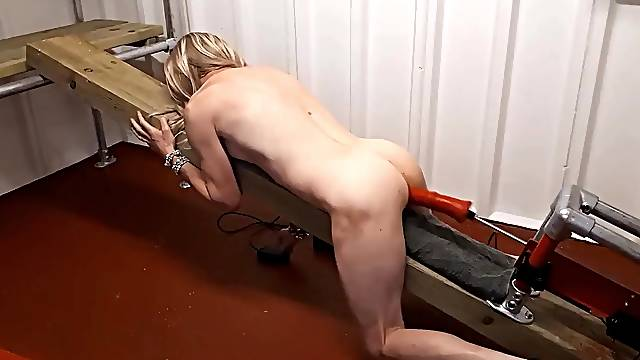 RACHELSEXYMAID GETS A NAKED POUNDING FROM FUCK MACHINE