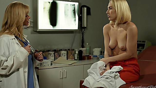Verronica Kirei licks trimmed pussy of Serene Siren on a hospital bed