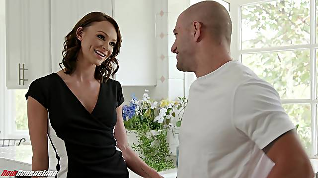 Emma Hix loves to strip and tease her husband to have good sex
