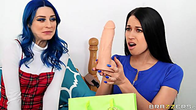 Alex Coal and Jewelz Blu take pictures as they ride one hard dick