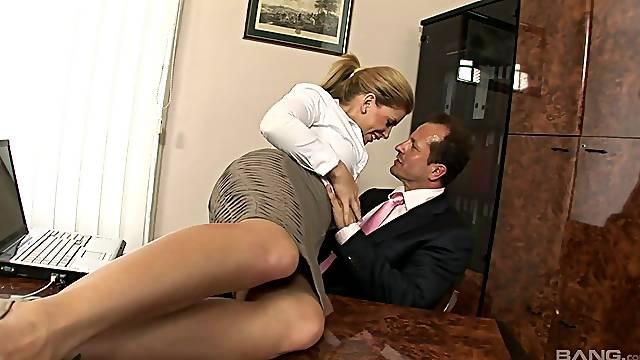 Hot ass secretary Brooklyn Lee lifts her miniskirt to be fucked