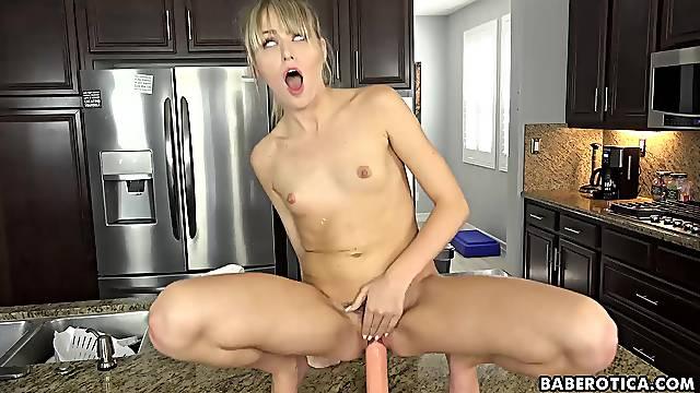 Solo blonde babe, Scarlett Sage is masturbating