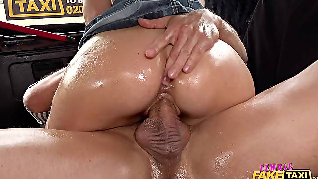 Oiled female taxi driver Nathaly Cherie fucked in juicy pussy
