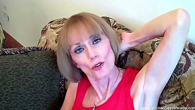 Amateur granny takes a messy creampie in her ancient pussy hole.