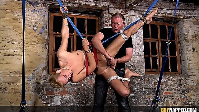 Amateur gay torture session in the BDSM dungeon ends with a BJ