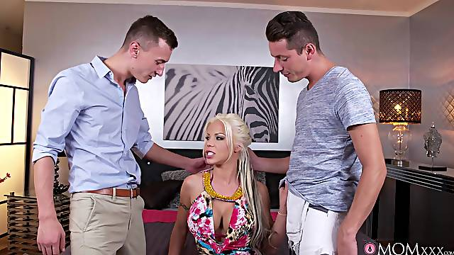 Hardcore MMF threesome with DP for deluxe pornstar Barbie Sins