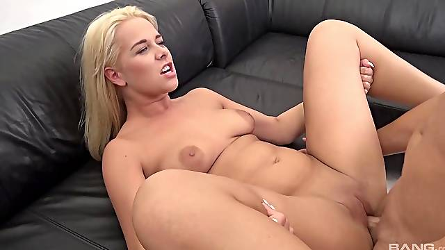 Fucking in cowgirl and missionary with chubby Nikky Dream