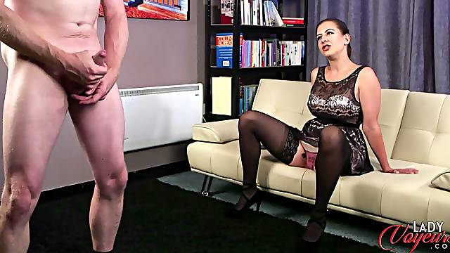 Sexy Tindra Frost observes a man jerking off in front of her