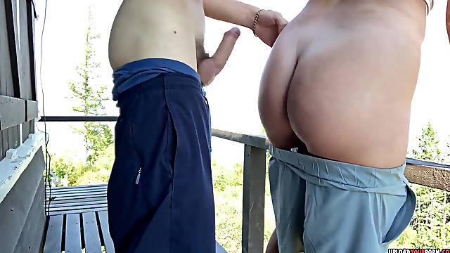 Wild amateur couple fucking in the park and gets caught doing it