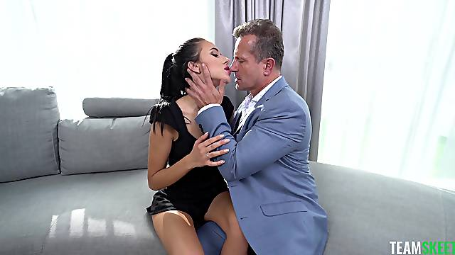 Ass eating hottie Alyssa Bounty gets fucked by a handsome dude