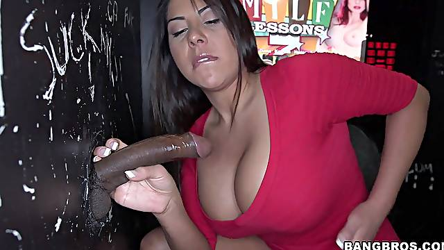 Naughty babe Candi Cox gets her cunt fucked by a horny stranger