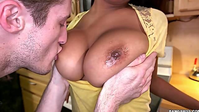 Ebony girl Sierra Santos pleases a big cock with her soft lips