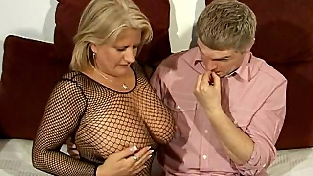 Hardcore fucking with seductive wife Robyn Ryder in stockings