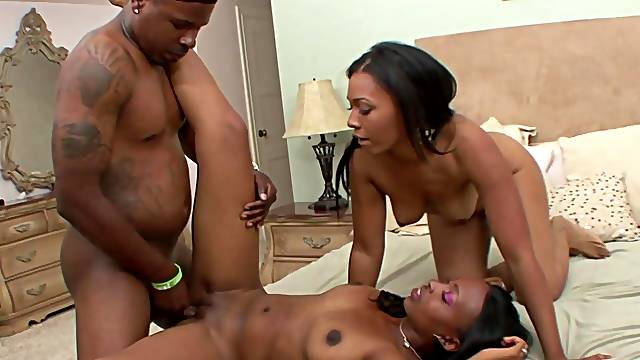 Ebony Anita Peida and Dvae MILF 3some