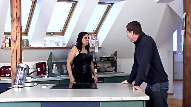Handsome dude fucks wet cunt of horny mature slut Maria on the table