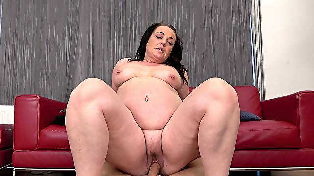 Closeup video of wild fucking with a cock hungry mature BBW slut