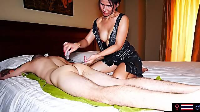MILF amateur Thai massage with blowjob