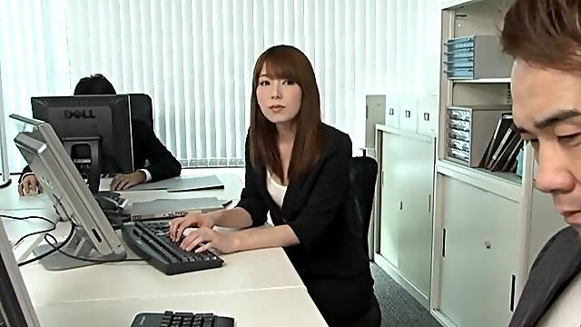 Messy fucking in the office with seductive secretary Ichika Kamihata