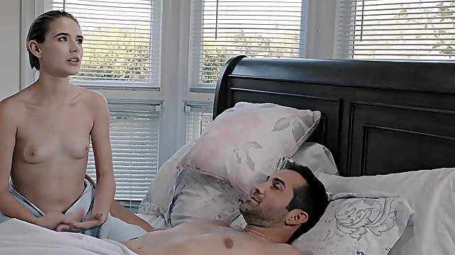 Small boobs amateur Jessie Saint enjoys getting fucked on the bed
