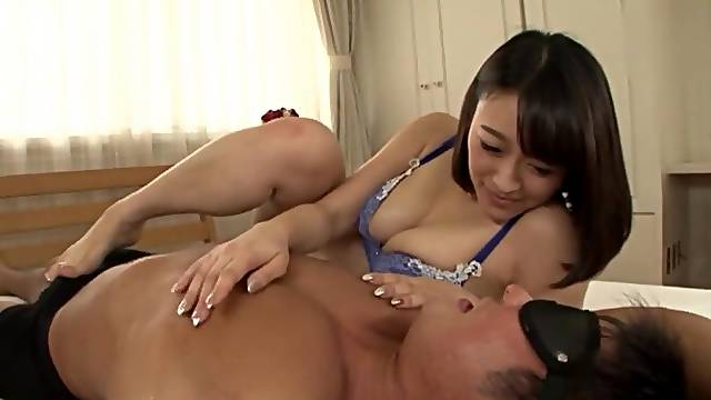 Gorgeous Japanese chick Nishino Shou sucks a dick and gets fingered