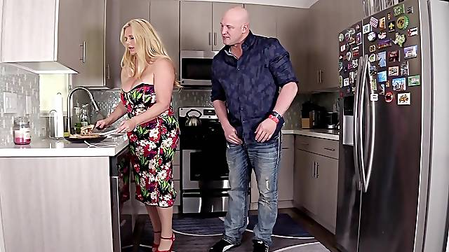 Hardcore fucking in the kitchen with chubby wife Karen Fisher